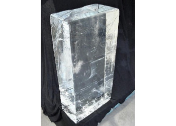 CRYSTAL CLEAR ICE BLOCKS