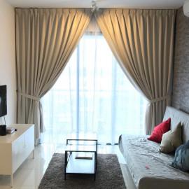 Main Curtain with Sheer Curtain